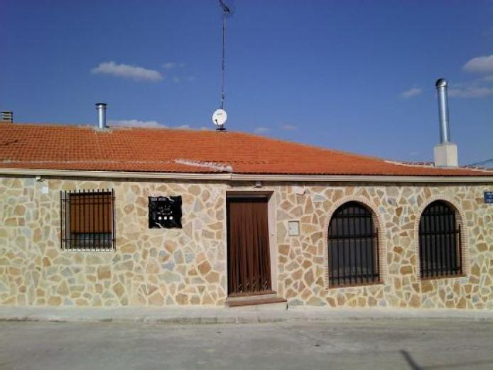 Los ojos del molino casa rural en carrascosa de haro cuenca clubrural - Casa rural haro ...