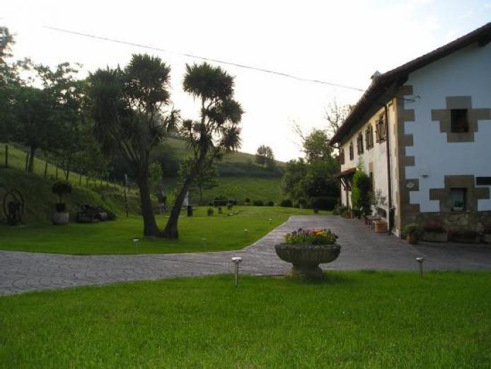 Iragorri casa rural en oiartzun guipuzcoa clubrural - Casas rurales pais vasco alquiler integro ...