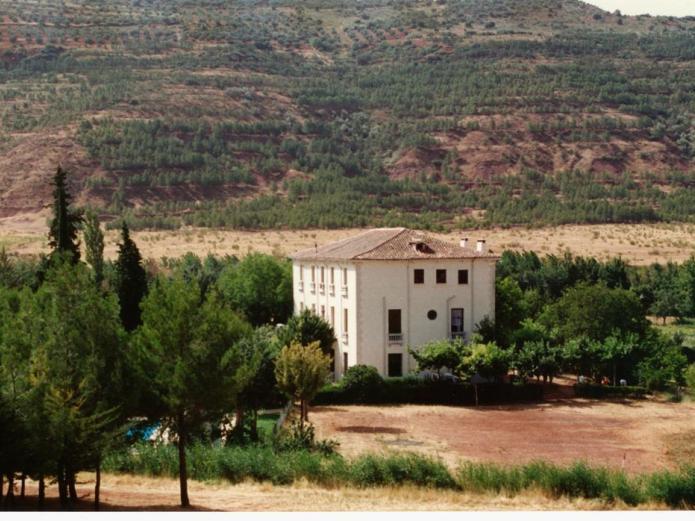 Granja escuela atalaya granja en alcaraz albacete for Casas rurales con piscina en castilla la mancha