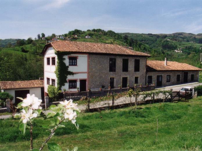 Casa el vall n casa rural en borines asturias clubrural - Casa rural asturias mascotas ...