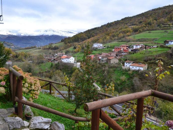 Casas de aldea el ferreiru casa rural en ricabo asturias clubrural - Casas rurales en asturias con piscina ...