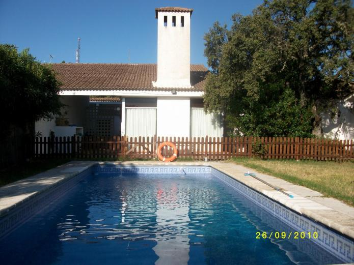 Casa macondo casa rural en valdecaballeros badajoz for Casas rurales en badajoz con piscina