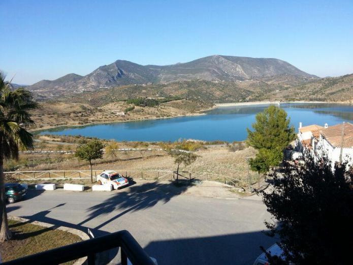 Casa azahar casa rural en zahara de la sierra c diz clubrural - Casas en zahara de la sierra ...