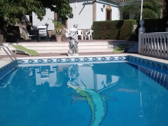 El parque de isabel casa rural en prado del rey c diz for Piscinas naturales grazalema