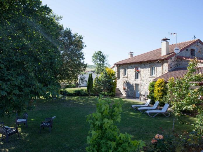 Casa del lago de campoo casa rural en hermandad de campoo de suso cantabria clubrural - Casas rurales cantabria alquiler integro ...