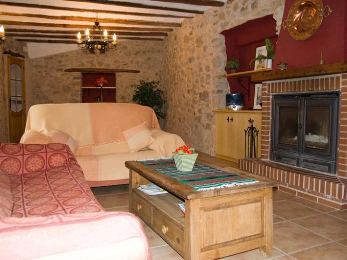 Casa ildum plaza casa rural en cabanes castell n clubrural - Casa rural castellon jacuzzi ...