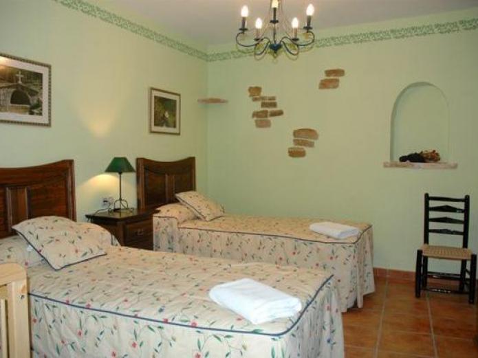 Casa rural nuri de rei casa rural en todolella castell n clubrural - Casa rural castellon jacuzzi ...