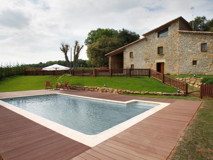 Cal rajoler casa rural en sant medir girona clubrural for Casa rural girona piscina