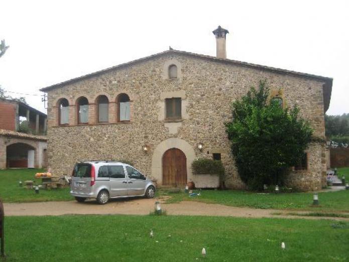 Mas vil casa rural en monells girona clubrural for Casa rural girona piscina