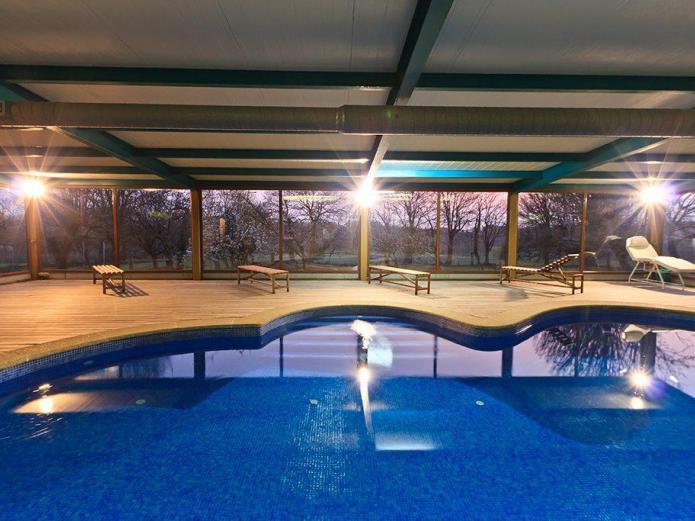 Casa cazoleiro casa rural en meira lugo clubrural for Casa rural lugo piscina