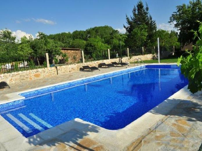 Casa reboiro hotel rural en monforte de lemos lugo for Piscina monforte de lemos