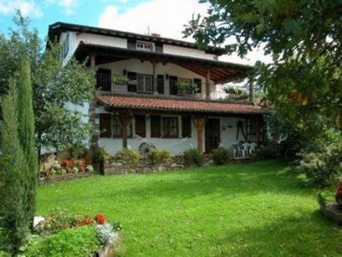 Gurutze casa rural en etxalar navarra clubrural - Casas rurales benizar ...