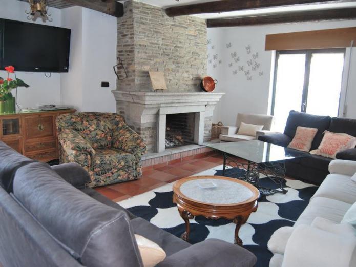 Casa rural la cuadraa casa rural en linares de riofrio salamanca clubrural - Casa rural linares de la sierra ...