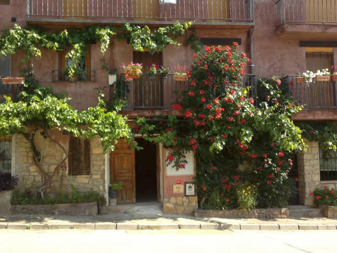 Casa josefina casa rural en gea de albarracin teruel clubrural - Casas rurales teruel con piscina ...