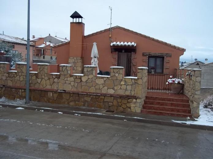 La fuensanta casa rural en cella teruel clubrural - Casas rurales teruel con piscina ...