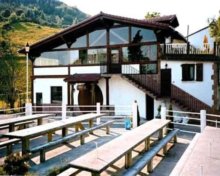 Caser o arratzain caserio en usurbil guipuzcoa clubrural - Caserios pais vasco ...