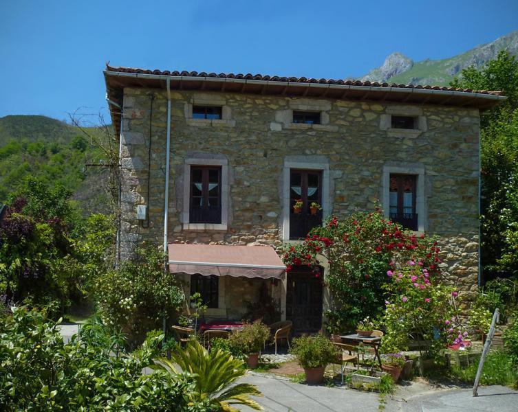 Casa la valleja casa rural en pe amellera alta asturias clubrural - Casa rural asturias mascotas ...