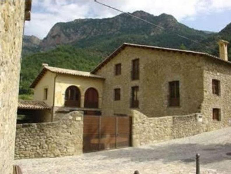 Cal tarres casa rural en la coma i la pedra lleida clubrural - Casas rurales lleida piscina ...