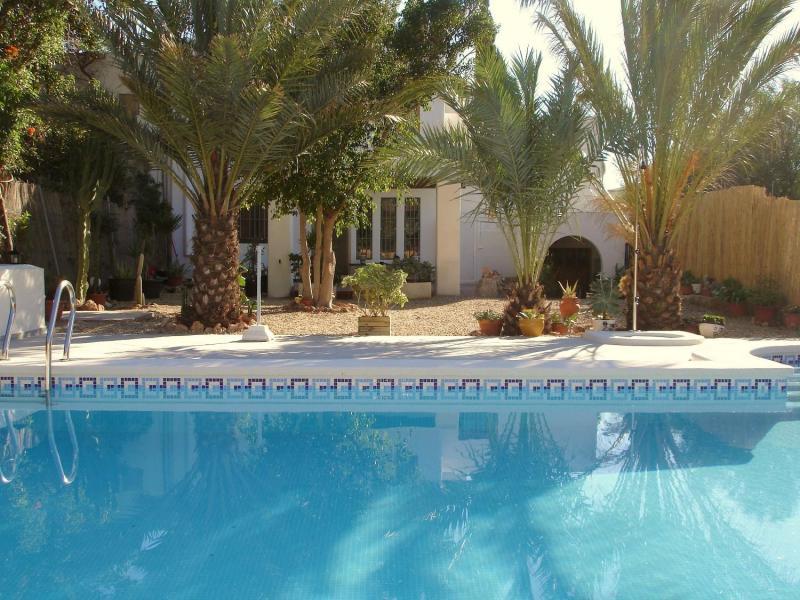 Casa alex apartamento rural en rodalquilar almer a for Casa ciudad jardin almeria