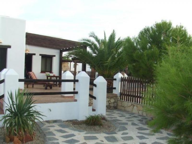 Casa rural cerro la gorra casa rural en nijar almer a for Casa ciudad jardin almeria