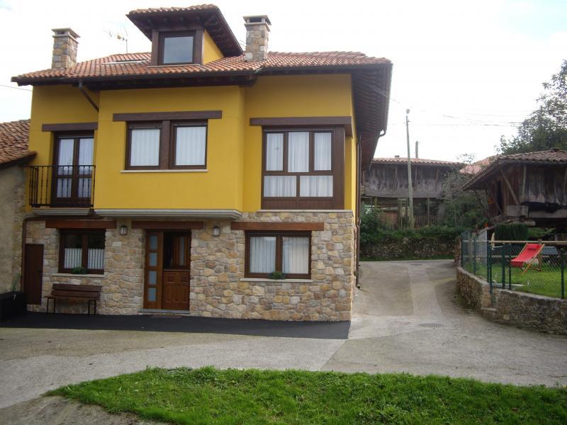 Casa rural la llana ii vivienda vacacional en pilo a asturias clubrural - Casa rural asturias piscina climatizada ...