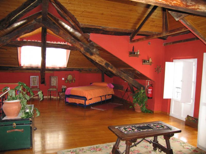 Casona de mari es albergue de oviedo casa rural en las regueras asturias clubrural - Casas rurales cerca de oviedo ...