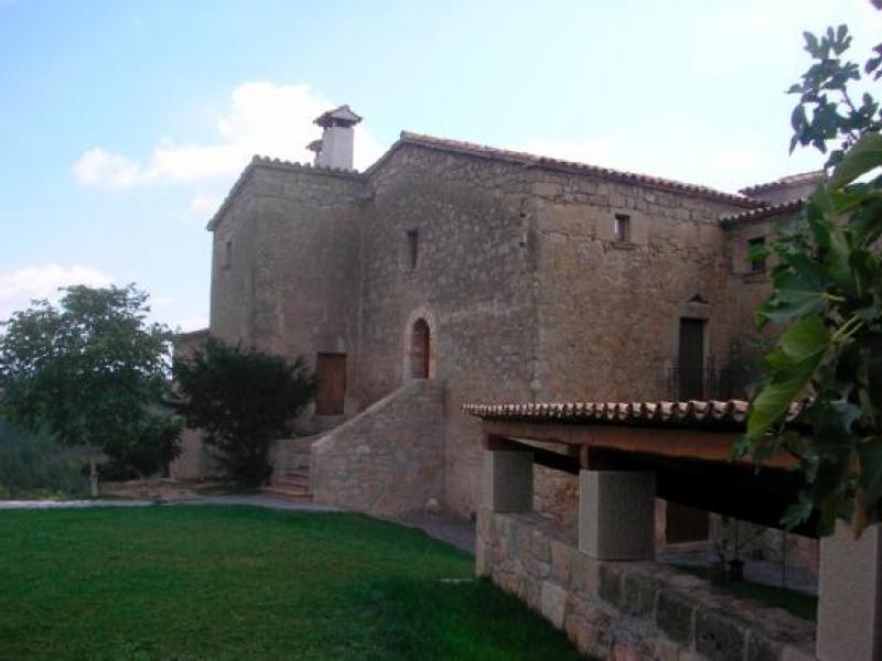 Casa albareda casa rural en viver i serrateix barcelona for Alquiler casa jardin barcelona