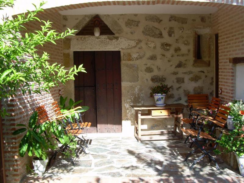 Casa del conde casa rural en santa cruz de la sierra c ceres clubrural - Casa rural villanueva del conde ...
