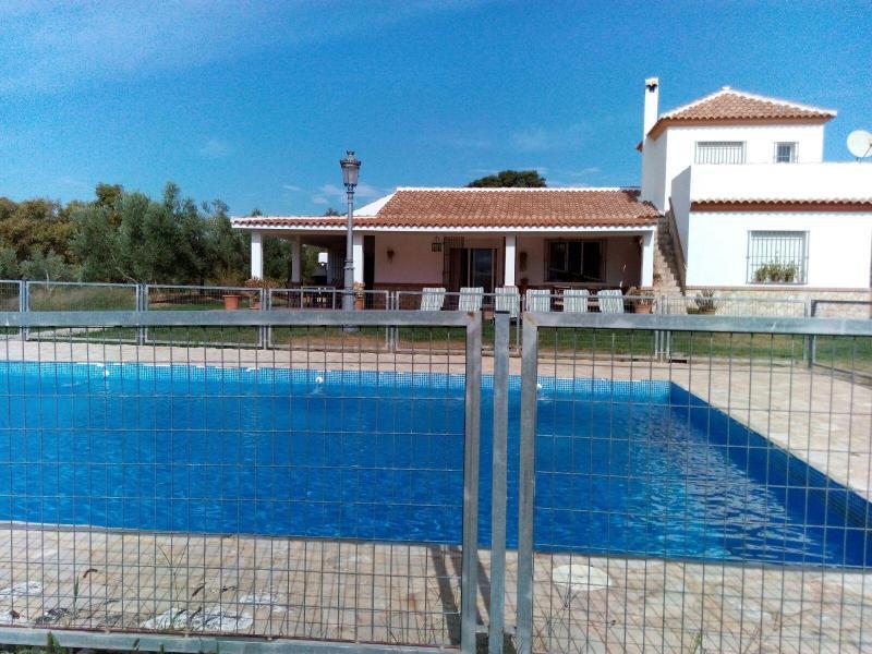 Casa almazara casa rural en zahara de la sierra c diz clubrural - Casas en zahara de la sierra ...