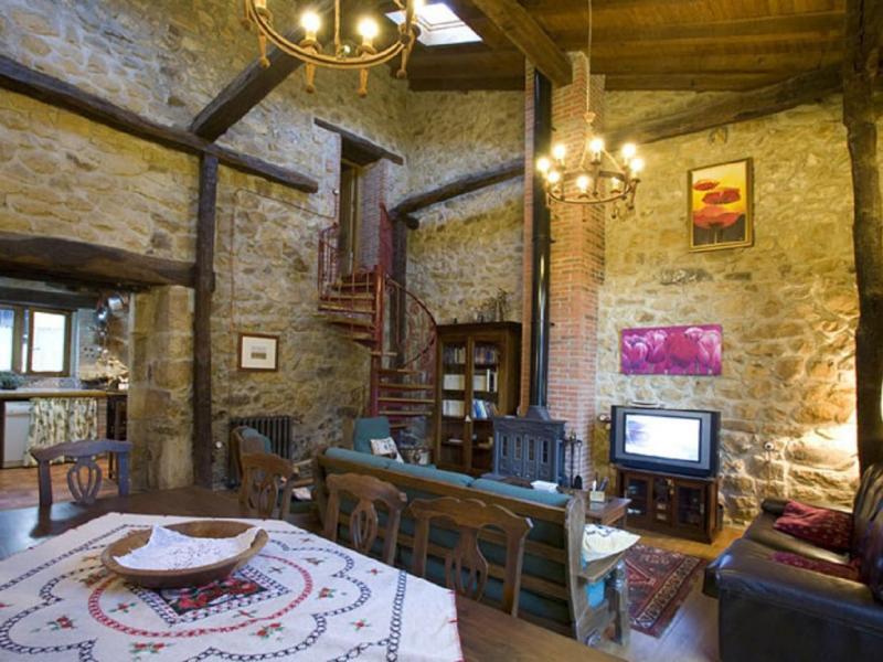 La casa de hijas casa rural en puente viesgo cantabria clubrural - Casa rural puente viesgo ...