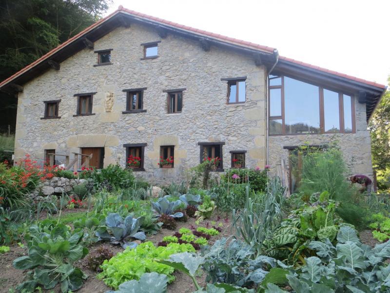 Arruan haundi casa rural en deba guipuzcoa clubrural - Casas rurales pais vasco alquiler integro ...