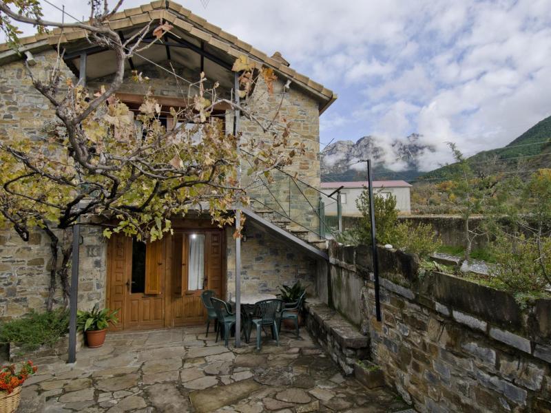 Casas rurales urmo ordesa casa rural en laspu a huesca - Casas rurales de galicia ...