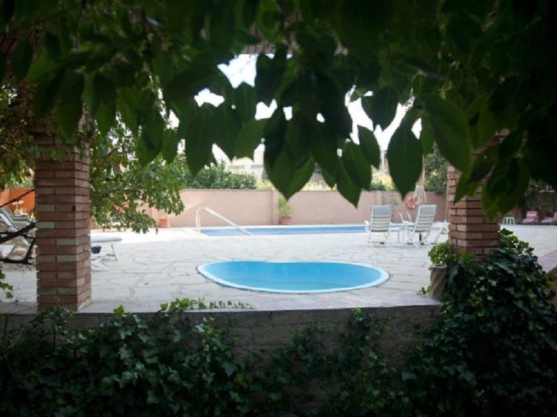 Casa rural l hort casa rural en les borges blanques lleida clubrural - Casas rurales lleida piscina ...