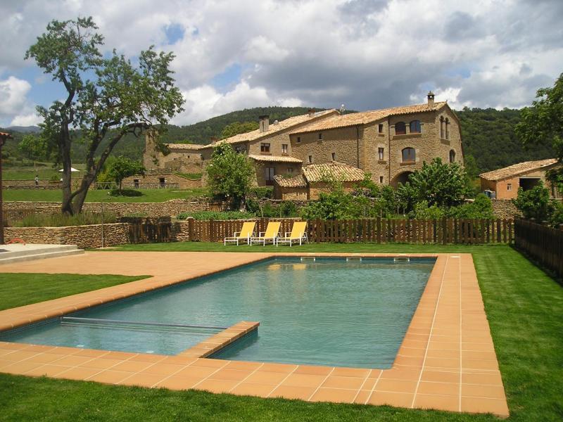 Casa vilanova d isanta casa rural en lladurs lleida clubrural - Casas rurales lleida piscina ...