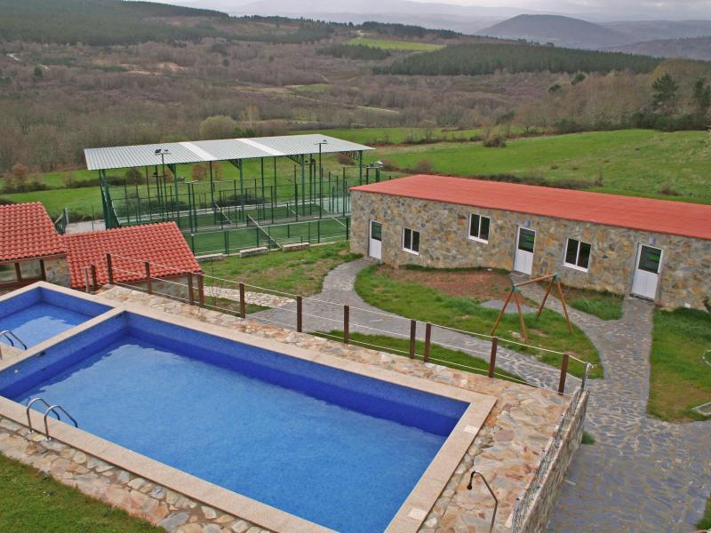 Casa felisa marcelle pensi n en monforte de lemos lugo for Casa rural lugo piscina