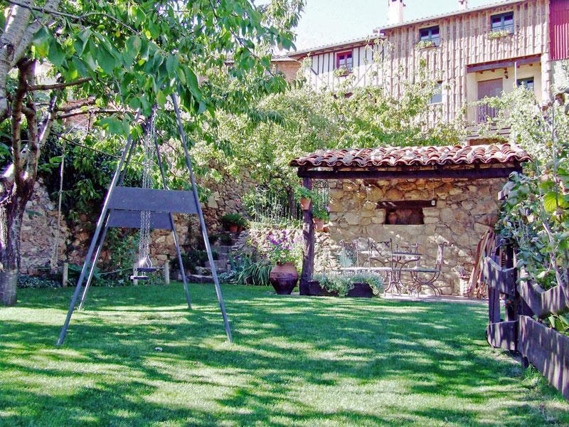 Casas ca o chico y la fuente casa rural en villanueva del for Jardin chico casa