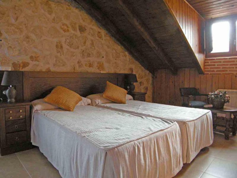 Senda del alba casa rural en fresneda de cuellar segovia clubrural - Casa rural cuellar ...