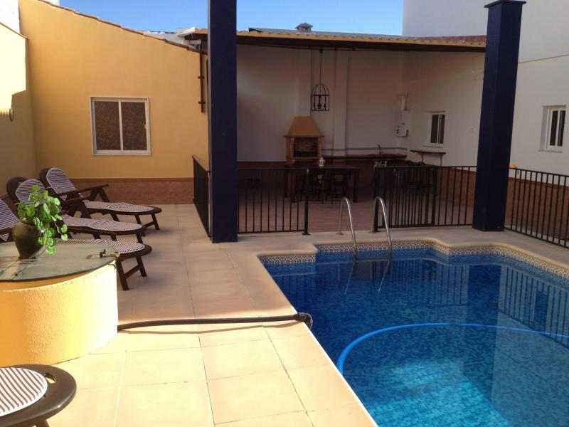 Casa el pelolo vivienda vacacional en aguadulce sevilla for Casa rural sevilla piscina