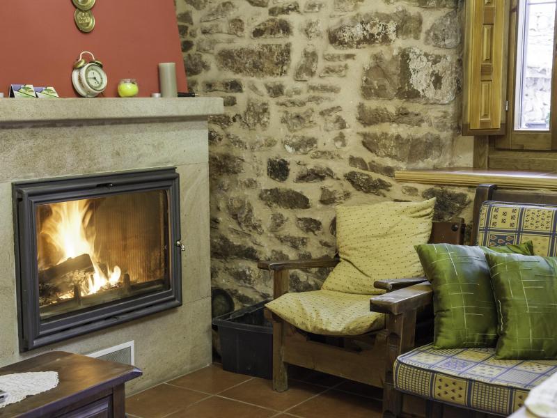 Casa miravalle casa rural en rebollar soria clubrural - Casa rural casamira ...