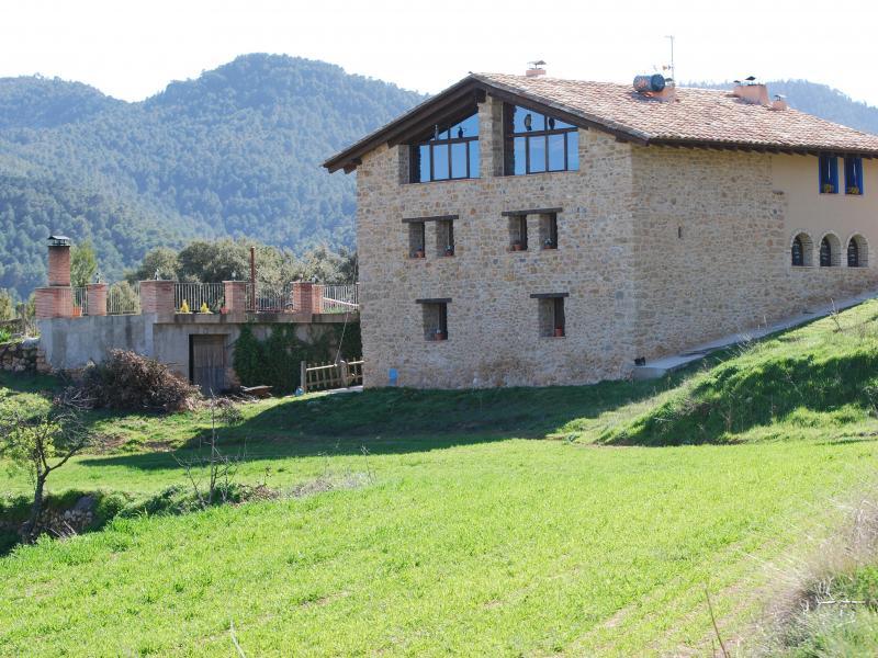 Masia de la serra de la cogulla casa rural en monroyo teruel clubrural - Casas rurales teruel con piscina ...