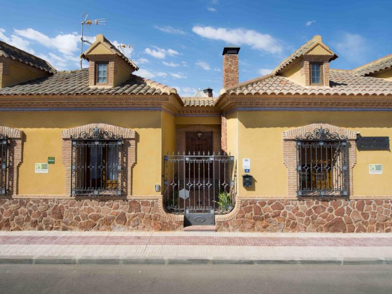 Casa rural don quijote casa rural en la guardia toledo clubrural - Casas rurales cerca de toledo ...