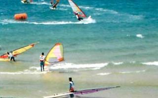 Surf en Andalucía. Turismo activo