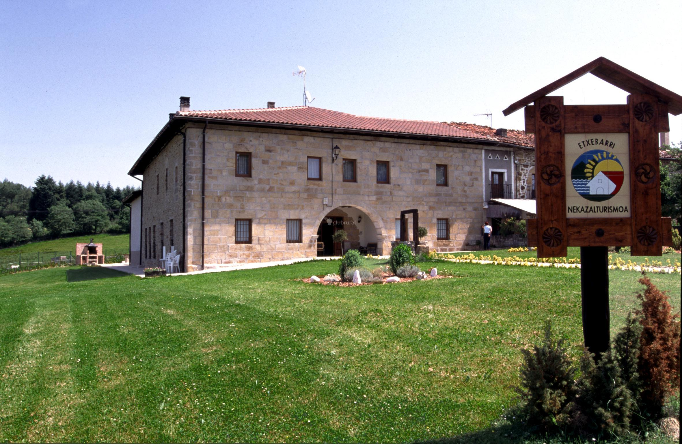 Caserios pais vasco family home in caserio garro caserios - Casa rural urduliz ...