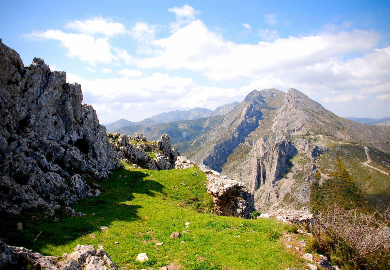 Best Hiking Routes in Alicante Kasa25