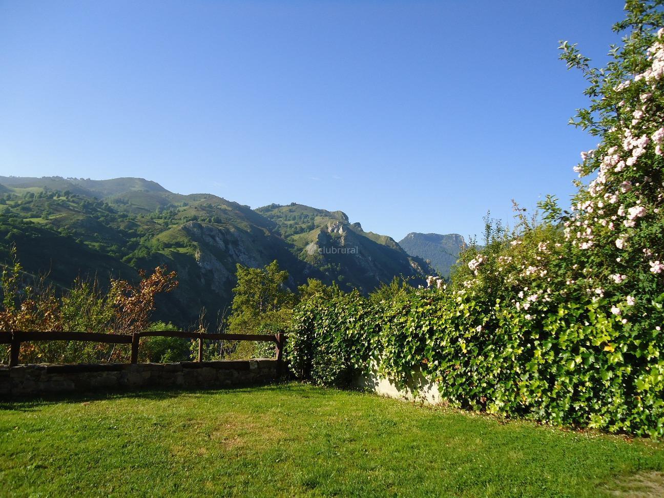 Fotos de antoxana asturias arriondas clubrural for Casa jardin asturias