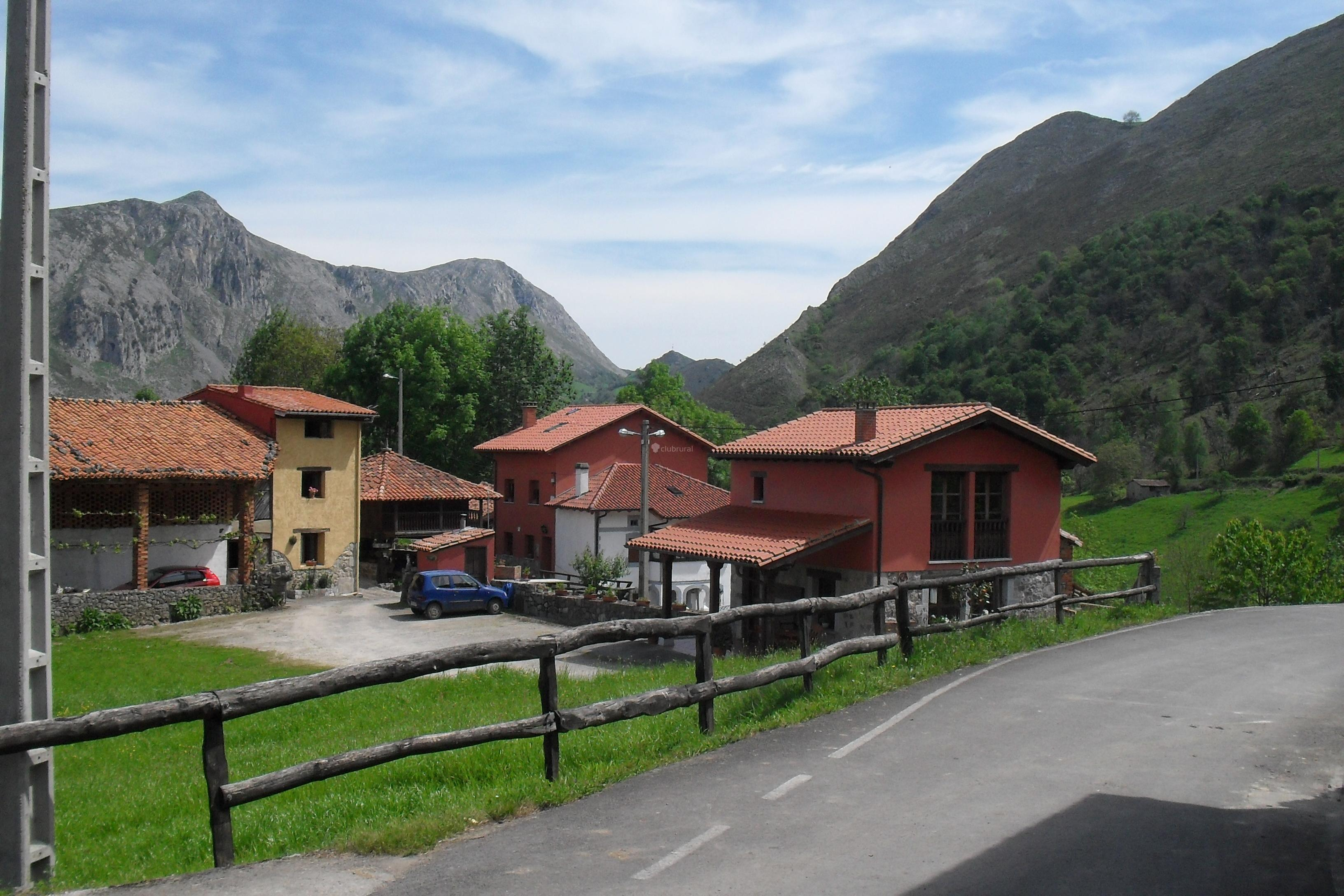 Fotos de casa rural la lloseta asturias caldue o - La toscana casa rural ...