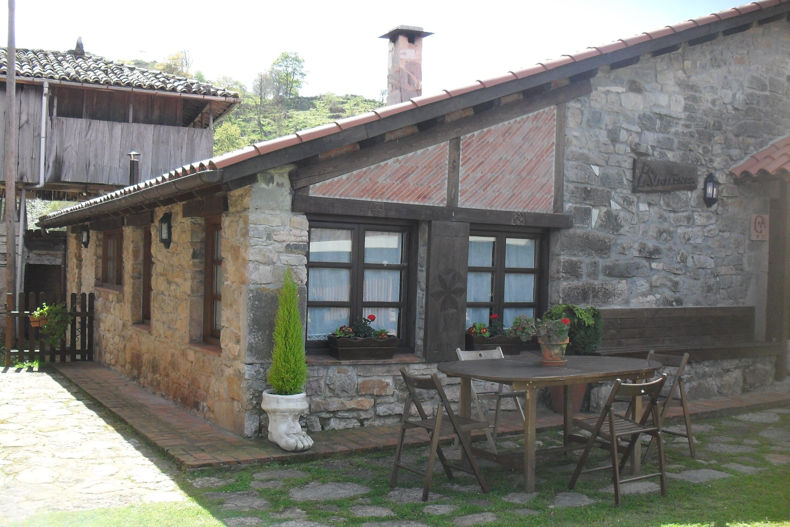 Fotos de casa rural la vallonga asturias grado clubrural for Casa rural jaraiz de la vera