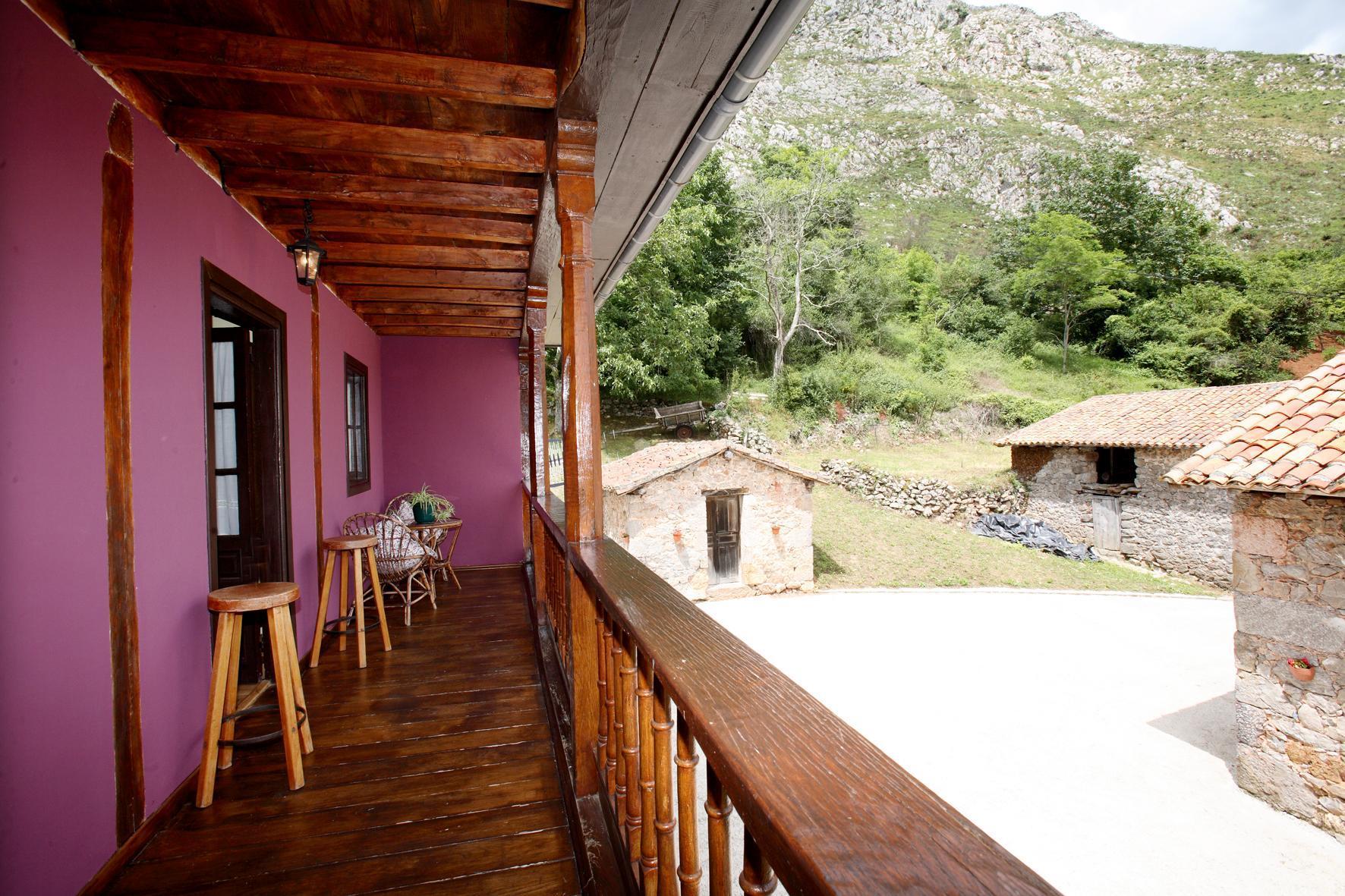 Fotos de casa rural les llanielles asturias cangas de - Fotorural asturias ...