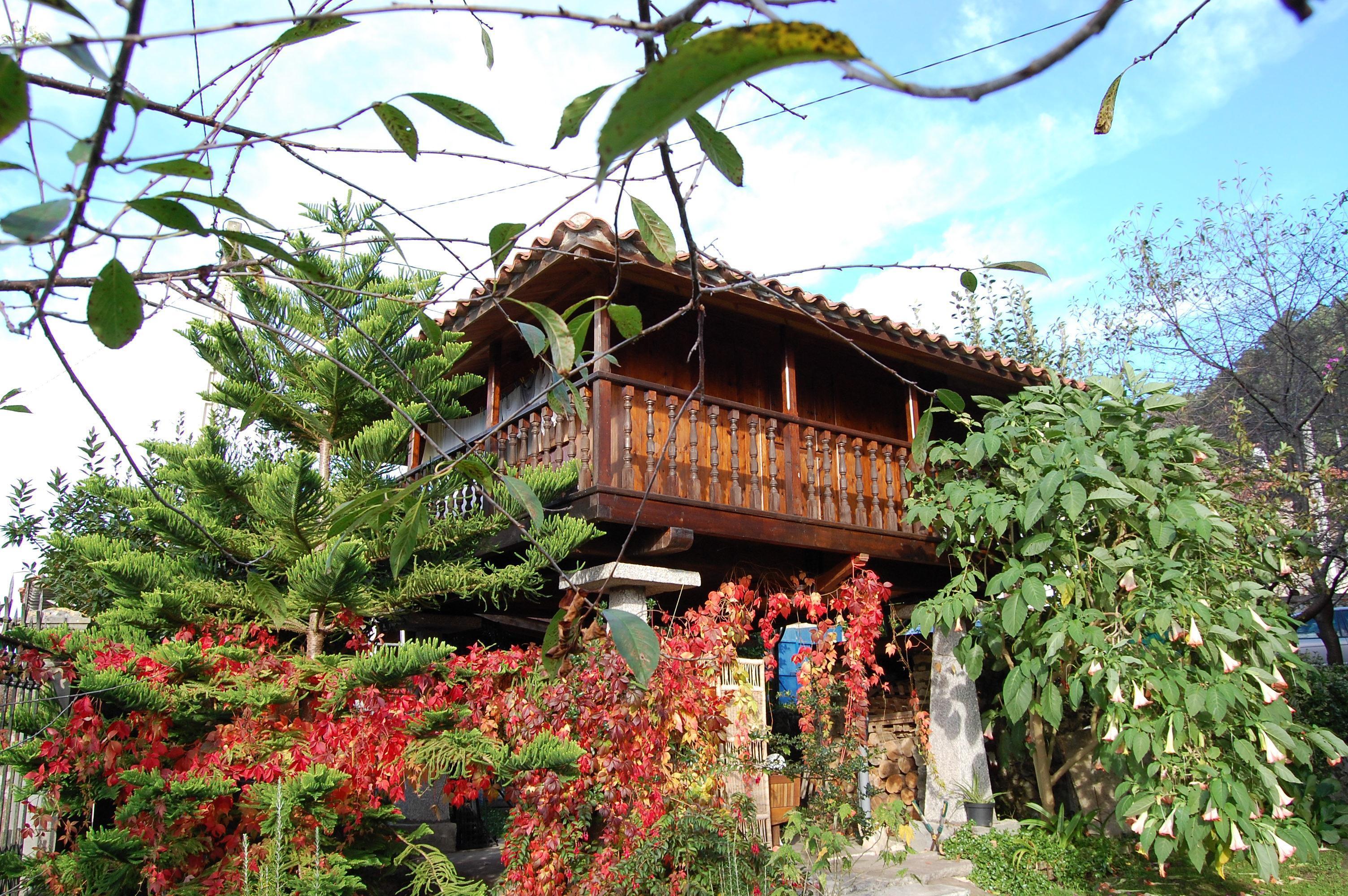 Fotos de la casa del jard n asturias llanes clubrural for Casa jardin la asuncion