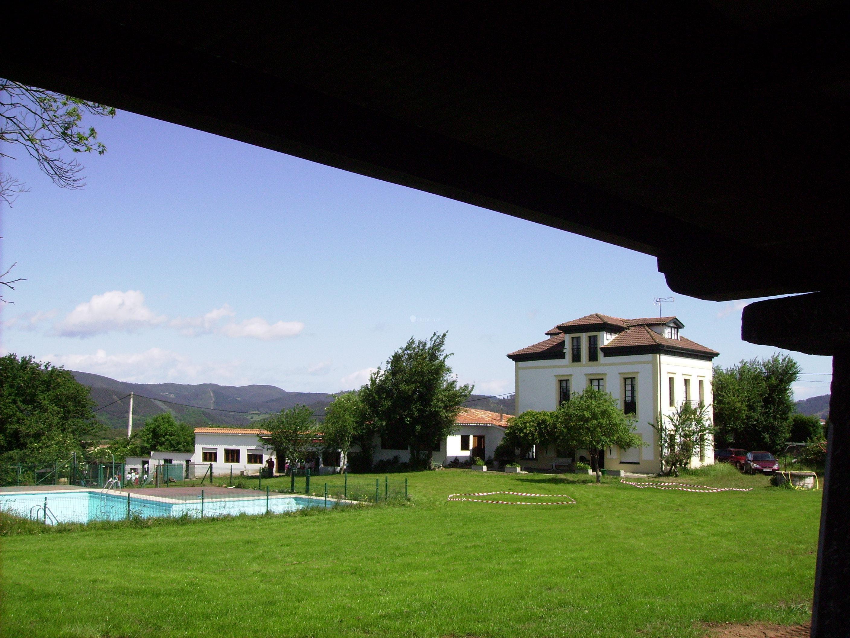 Fotos de casona de mari es albergue de oviedo asturias las regueras clubrural - Casa rural asturias mascotas ...